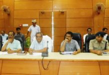 resolved complaints in waiting with on two days said dm in charge gonda